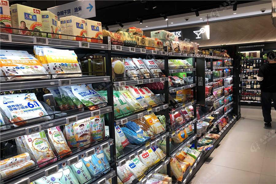 超市便利店货架摆放图片