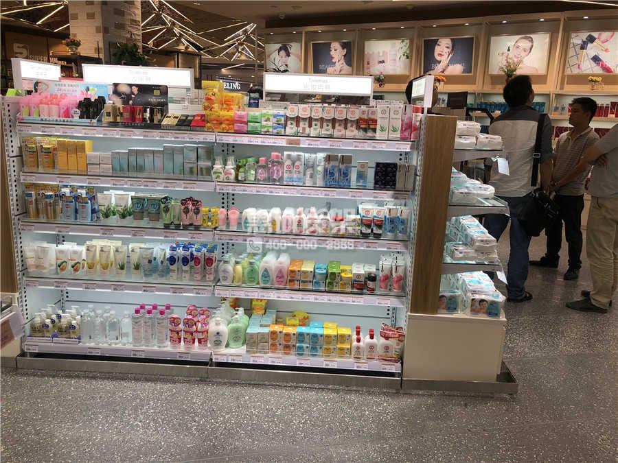 超市护肤品货架摆放图片